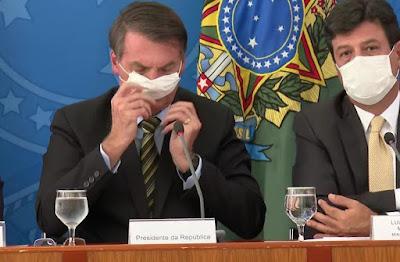 Bolsonaro e Mandetta mascarados