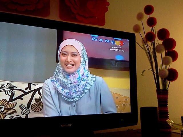 Edisi Gempak! Gambar Teh Syuhada TV3 bertudung!:The Kaki
