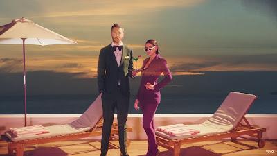Calvin Harris, Dua Lipa - One Kiss (#Official #Music #Video)