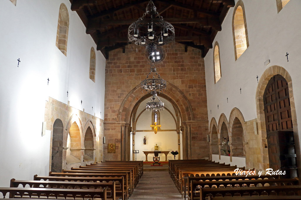 Interior de la Iglesia de Santa María de la Oliva, Villaviciosa