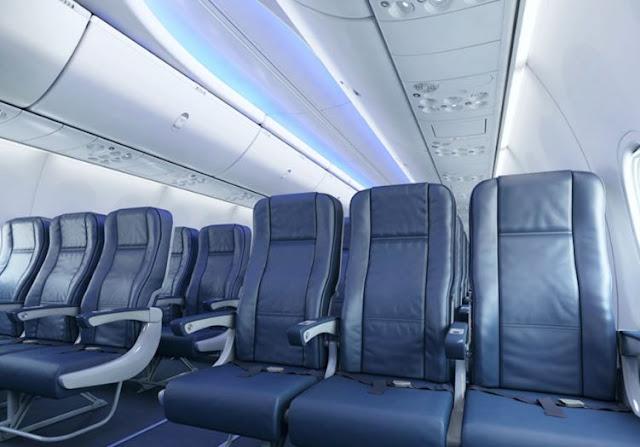 Boeing 737-700 interior