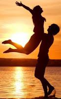 Imagen del amor (pareja de enamorados en la playa)