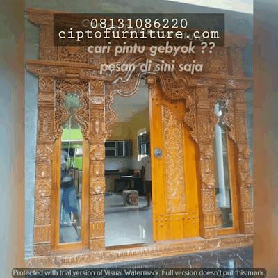 Model Rumah menggunakan Pintu Gebyok