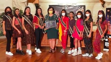 Santy Sastra Berikan Materi Public Speaking Pada Kegiatan Gathering Pembekalan Puteri Cilik Remaja Bali 2021
