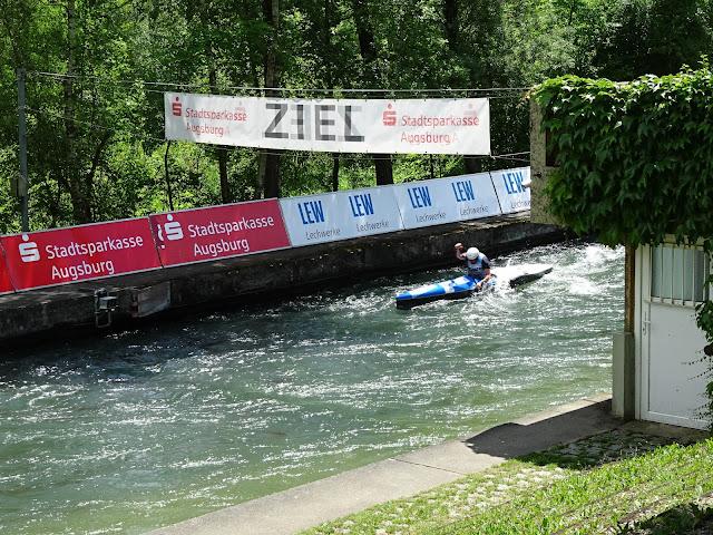 Len Augsburg bild reportage bratwurst bier und paddelpower