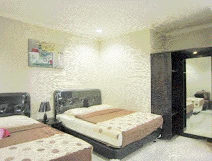 hotel-puri-dalam-ruangan-notes-asher