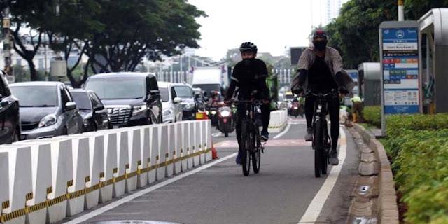 MTZ: Pembongkaran Jalur Sepeda Cuma Buang-buang Duit, Salah Siapa?