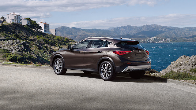 2017 Infiniti QX30 AWD brown