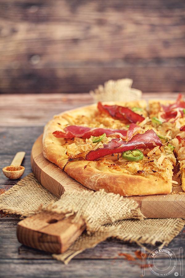 Pizza sa kiselim kupusom