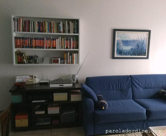 paroladordine-siorganiza-soggiorno-divano-ufficio