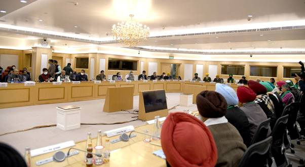 Meeting-between-Farmers-and-Govt
