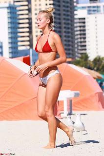 Selena-Weber-in-Bikini-601+sexycelebs.in.jpg