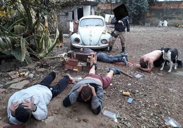 Presos por tráfico de drogas no Campo da Água Verde em Canoinhas