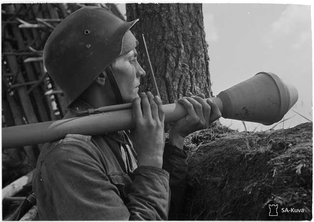 Panzerfaust, worldwartwo.filminspector.com