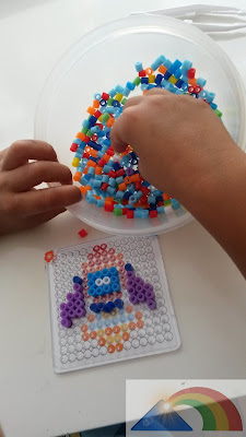 Cohete hecho con hama beads