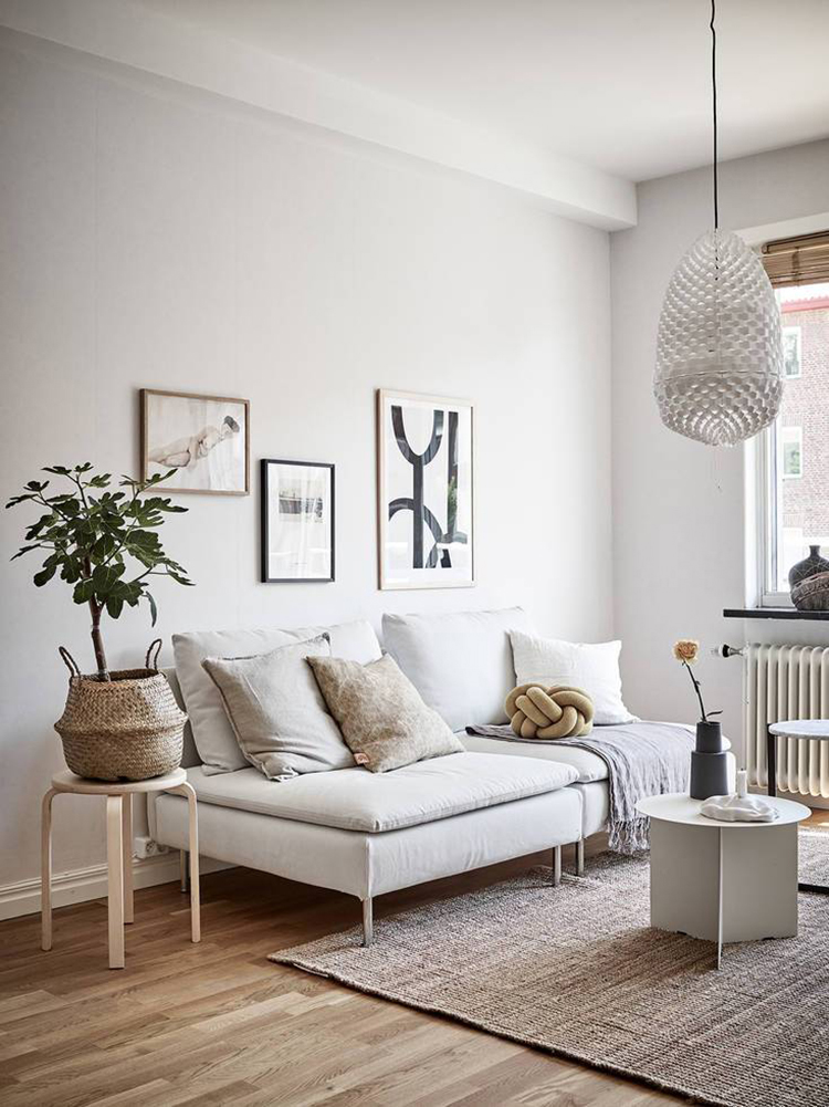 Cozy living room styling via Stadshem