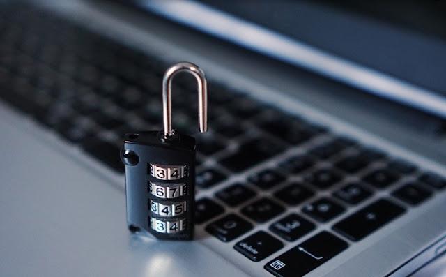 penjelasan tentang hacker