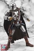 S.H. Figuarts The Mandalorian (Beskar Armor) 40