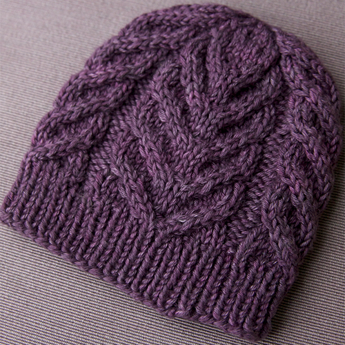 Northward – a free cable hat pattern