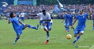 Persib Bandung Bantai Perserang 6-0, Ezechiel Empat Gol