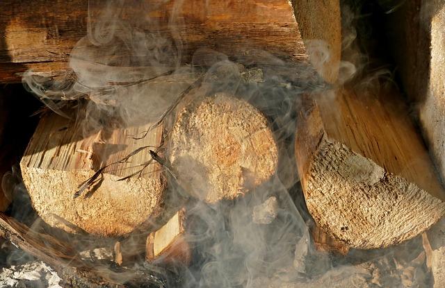 Ce să faci dacă iese fum de la centrală, termoșemineu sau soba pe lemne