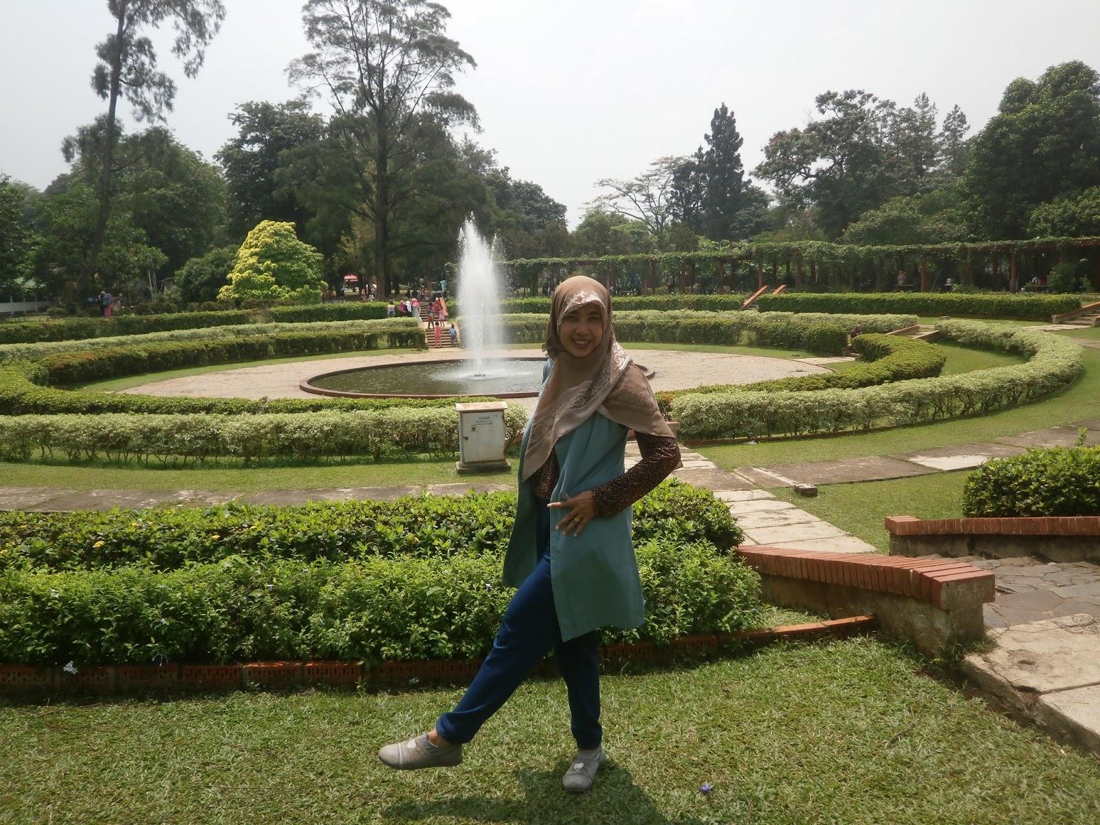 Be Yourself Piknik Murah Meriah Di Taman Bunga Wiladatika Cibubur