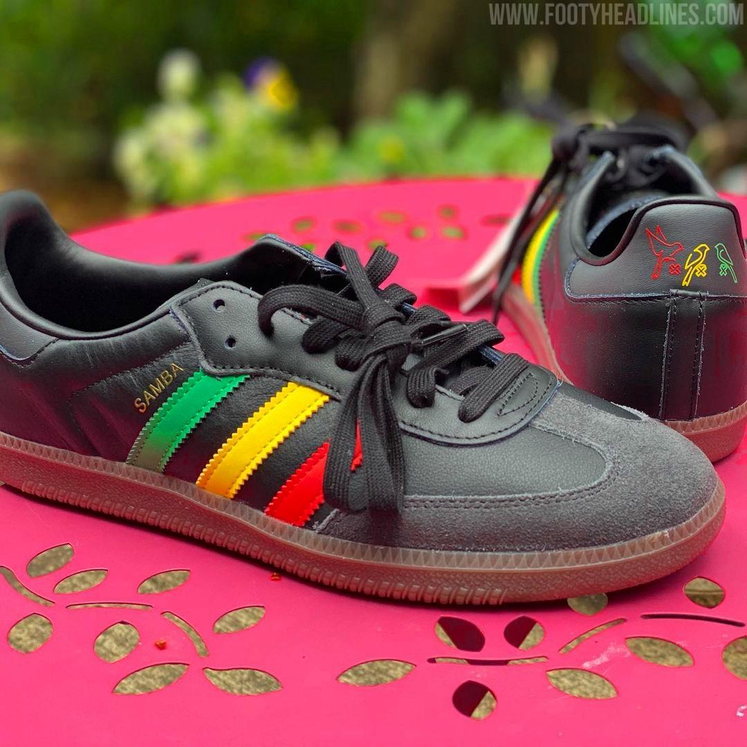 ajax-21-22-third-sneakers%2B%25282%2529.jpg