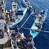 Di Daerah Operasi, KRI Tongkol-813 Bagikan Sembako ke Nelayan