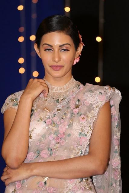 Actress Amyra Dastur Latest Photos Stills Navel Queens