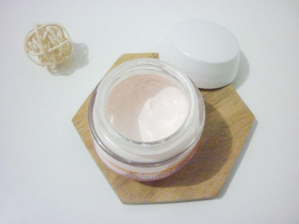 tekstur rich skincare day cream whitening