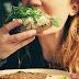 Especialista lista 5 estratégias para se livrar da compulsão alimentar
