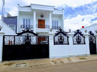 pintu gerbang rumah mewah klasik