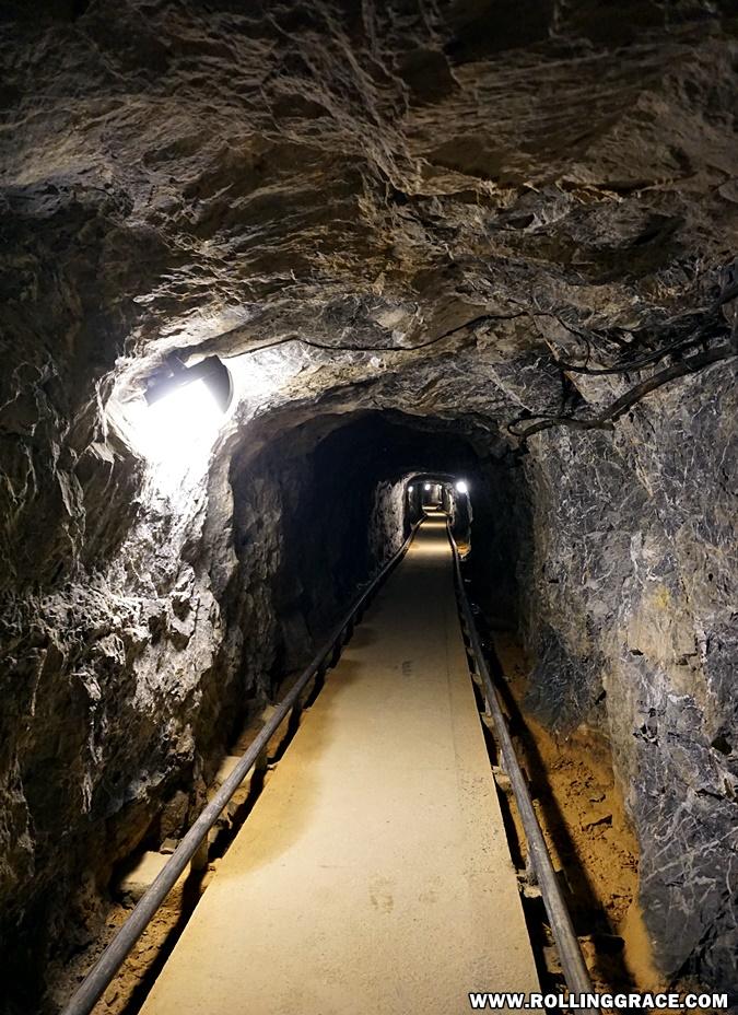 hiking gua kelam