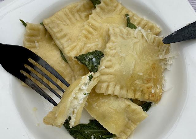 Domácí ravioli ricotta e spinaci - s ricottou a špenátem