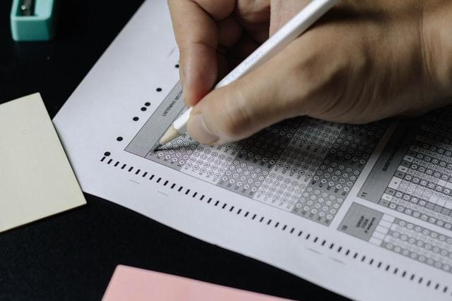 Kursus bahasa Inggris di Jakarta bisa memudahkan Si Kecil tes TOEFL/ IELTS.