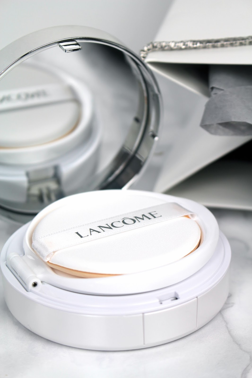 uk beauty blogger lancome miracle cushion foundation