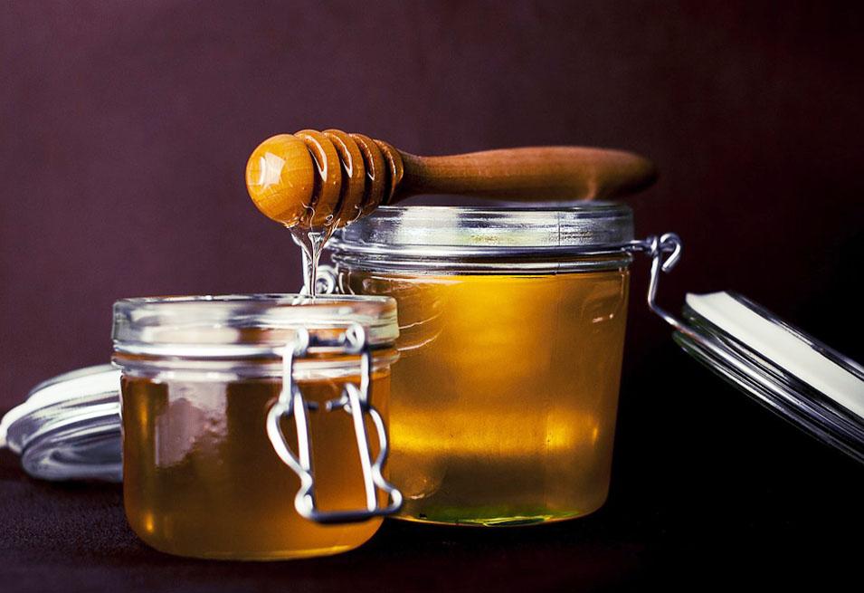19 Incredible Health Benefits of Honey