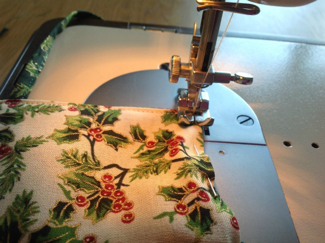 How-to-Sew-a-Gift-Basket-for-Christmas-sewing-seam