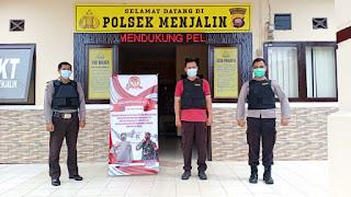Meskipun Hari Libur, Tiga Anggota Polsek Menjalin Tetap Perketat Jaga Mako Untuk Menghindari Aksi Terorisme
