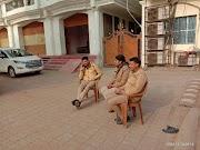 समाजवादी पार्टी के राष्ट्रीय महासचिव विशंभर प्रसाद निषाद (सांसद राज सभा) के कार्यक्रमों को रोकने को योगी सरकार ने घर पर बैठाया पुलिस का पहरा