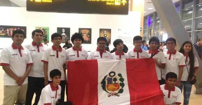 Escolares peruanos se coronan campeones internacionales de matemáticas en olimpiada realizada en Argentina