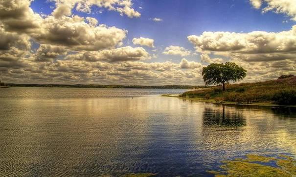 صور رائعه لجمال السماء وصفاء الماء image018-749779.jpg