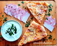 https://natomamochote.blogspot.com/2020/02/pizza-z-serem-boczkiem-i-cebula.html
