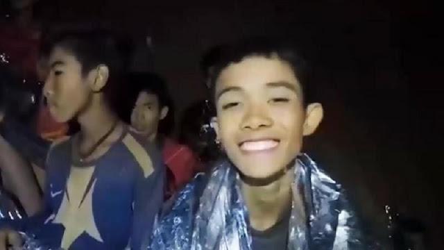 """القصة الكاملة لاختفاء الطلاب الـ 12 ومدربهم داخل كهف في تايلاند """"كهف الموت"""""""