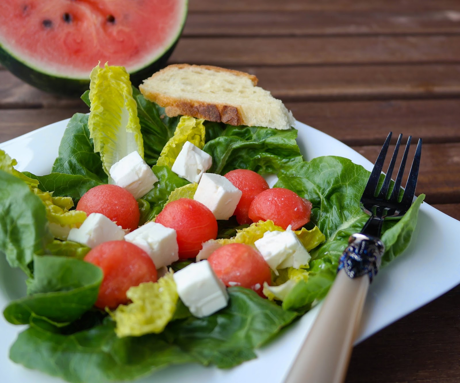 sia s soulfood foodblog erfrischender sommersalat mit wassermelone und feta. Black Bedroom Furniture Sets. Home Design Ideas