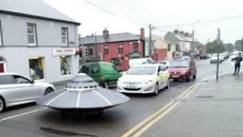 Περιπολικό κυνηγάει… UFO στην πιο παράξενη και αστεία καταδίωξη που είδες ποτέ! (video)