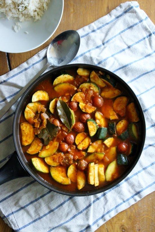 Zucchini - Gulasch, vegan und glutenfrei
