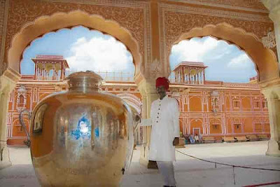 city-palace-jaipur-tourist-place-in-rajasthan