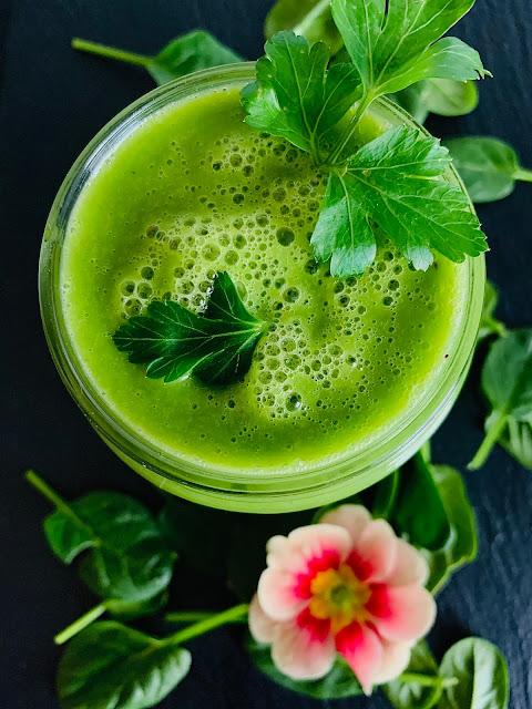 Grüner Smoothie mit Schwarzkümmelöl Rezept glutenfrei vegan Bioöl Franz & CO Detox