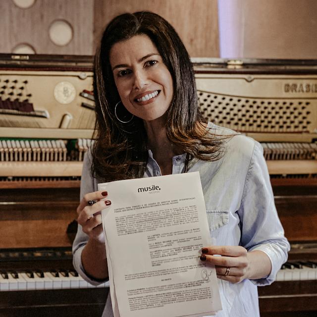 Trajetória grande no gospel, Rachel Novaes assina com Musile